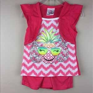 Other - Girls silver pineapple 2 Pc short set new 2T 24M